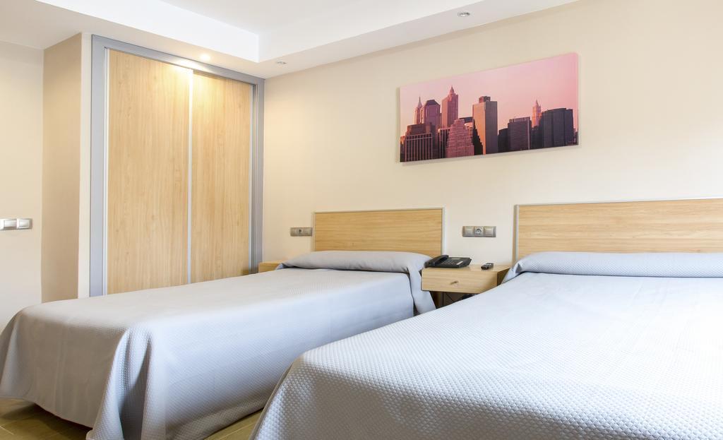 HOTEL RONDA I (by Olympia Hotels)