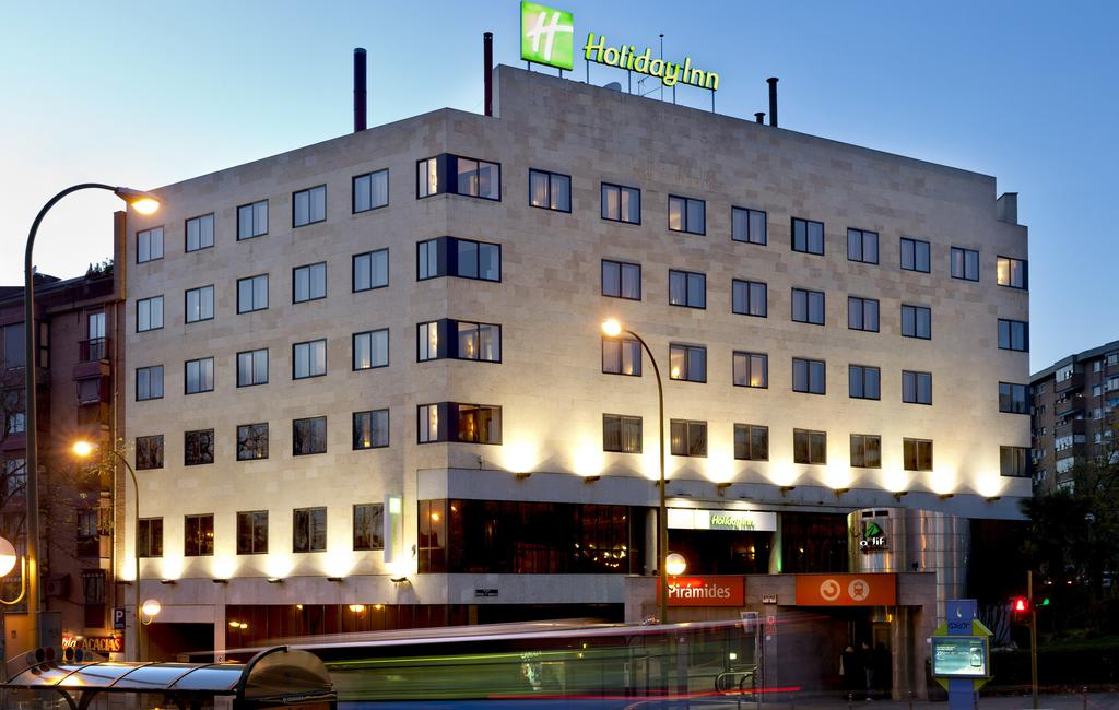 HOLIDAY INN PIRAMIDES