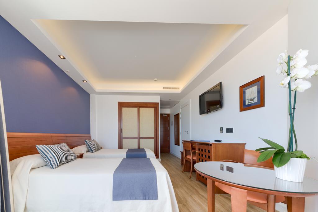 HOTEL PUERTOBAHÍA & SPA